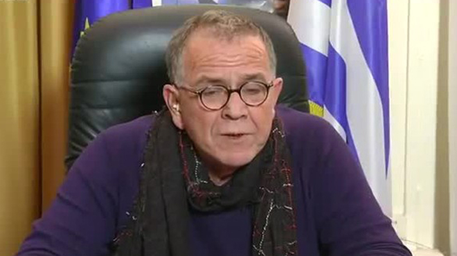 """Un ministro griego acusa a Bélgica de pedirle que empuje a los refugiados al mar """"aunque se ahoguen"""""""
