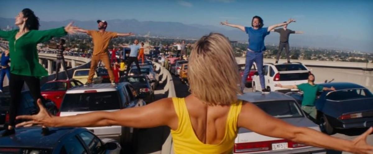 Un fotograma de la escena inicial de 'La La Land'.