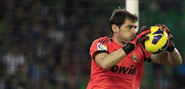 """Casillas: """"Confiamos en Mourinho al 100%"""""""