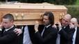 Jim Carrey porta el fèretre de la seva exnòvia