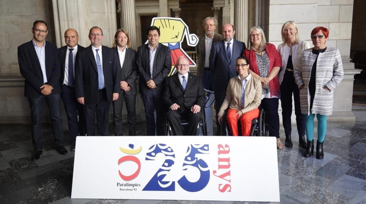Barcelona presenta el logo conmemorativo de los Juegos Paralímpicos del 92