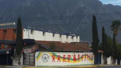 Un nen de 12 anys dispara contra els seus professors i companys en un col·legi a Monterrey