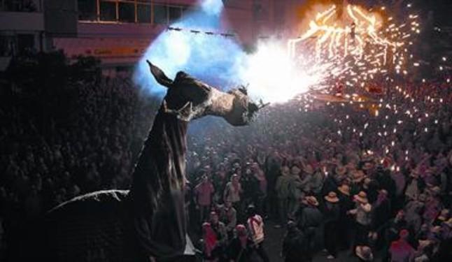 Molins de Rei espera a 15.000 personas en la fiesta del Camell