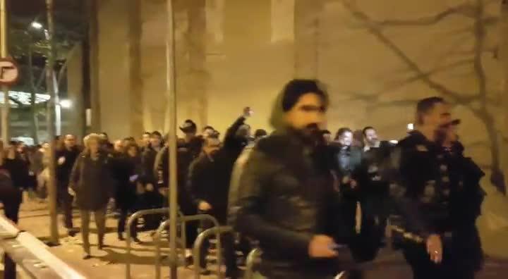 Procesión por Lemmy, líder de Motorhead, en Barcelona.