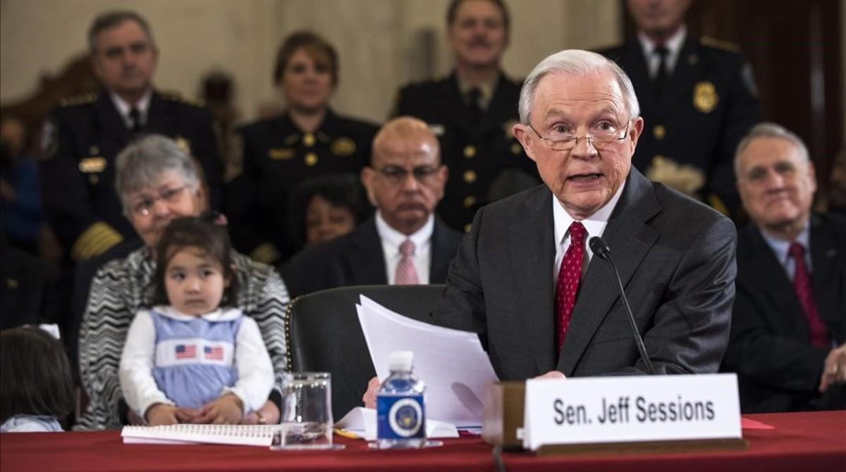 Sessions se desmarca del Ku Klux Klan en su confirmación como fiscal general de Trump