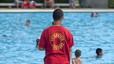 Intoxicadas 17 personas por inhalación de cloro en una piscina privada en Móstoles