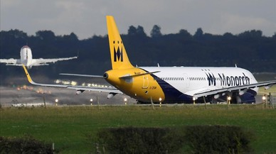 L'aerolínia Monarch deixa d'operar i cancel·la tots els vols