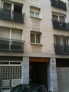 El inmueble de la calle Traj 6-8 de Barcelona, donde la polica ha encontrado al nio. 