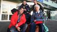 Albert Solé y Josefina Castellvi, con su equipo, en el aeropuerto antes de ir a la Antártida.