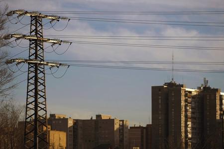 La subasta el ctrica determinar hoy la subida de la luz for Subida de tension electrica