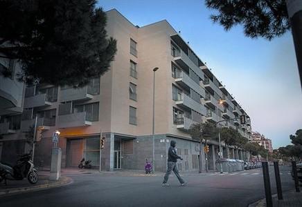 Pisos p�blicos 8 Viviendas de la Ag�ncia de l'Habitatge, en la avenida de Catalunya, en L'Hospitalet.