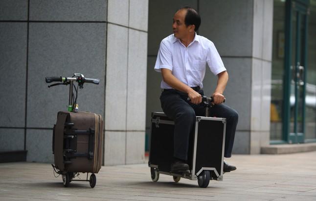 Dos modelos diferentes creados por el agricultor chino.
