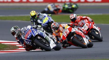 Un momento de la carrera de MotoGP en Silverstone.