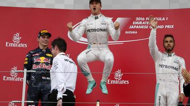 Rosberg gairebé s'assegura el títol al guanyar al Japó