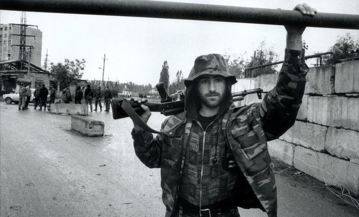 Foto de Stanley Greene en Chechenia, en octubre del 2000.