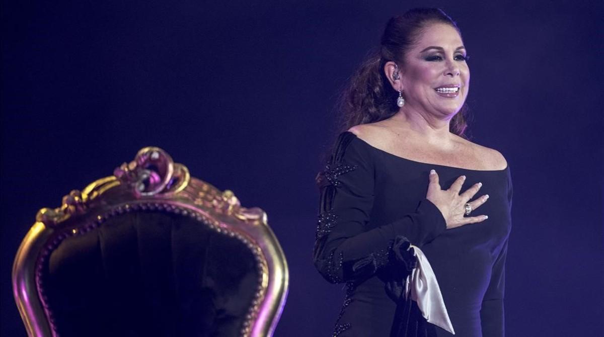 Isabel Pantoja, en el concierto que ofreció en el Palau Sant Jordi el pasado febrero.