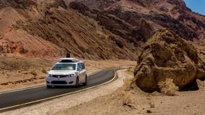 Waymo haciendo pruebas en el Valle de la Muerte