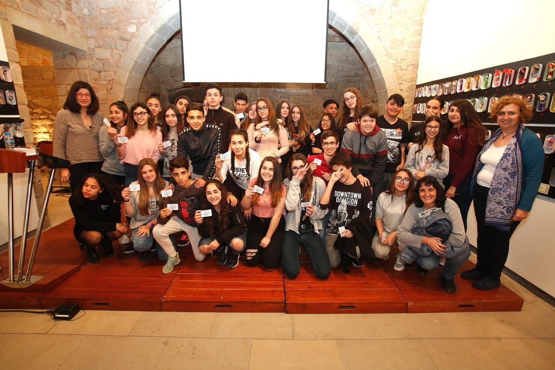 Jóvenes adheridos a la Xarxa Activa de Joventut per a la Igualtat de Cornellà