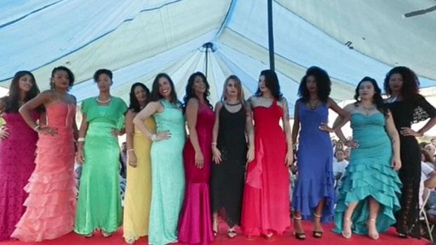 Un día de belleza en la dura realidad de una cárcel femenina en Brasil