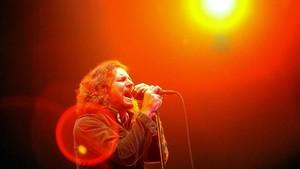 Eddie Vedder, en el concierto de Pearl Jam en Badalona del 2006