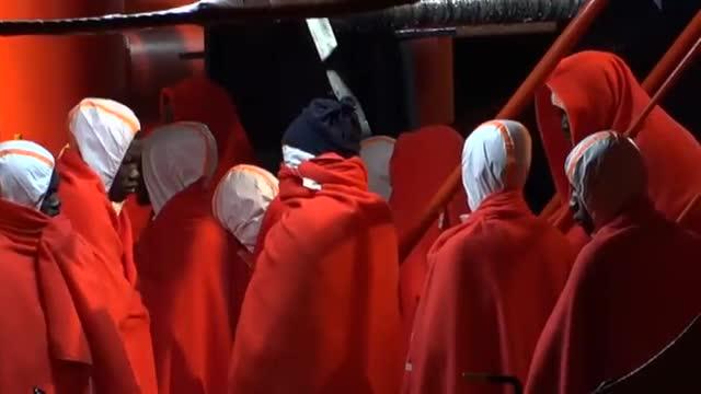 Rescatades 80 persones en dues pasteres al mar dAlborán