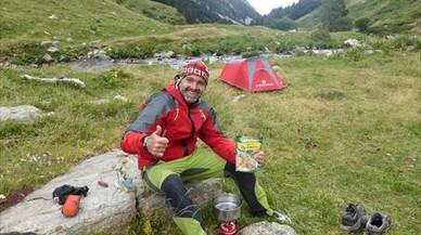 Domingo Alonso, en una de les seves moltes escapades a la muntanya.