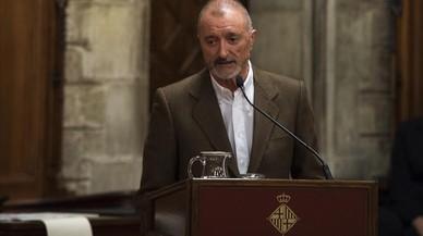 Arturo Pérez-Reverte i la novel·la històrica: parlar de què oculten les banderes
