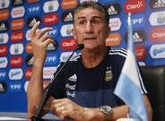 Edgardo Bauza, en la rueda de prensa de este lunes en Buenos Aires.