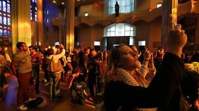 Los 'Amics del temple' se quedan sin carnet para entrar y retratar la Sagrada Família