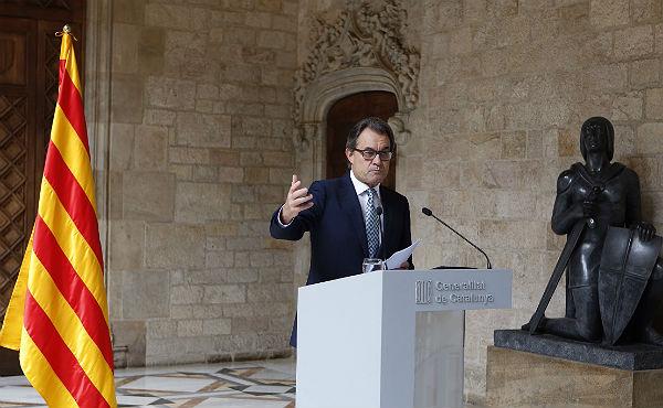 """""""Se mantiene la consulta del 9 de noviembre, habrá locales con urnas y papeletas"""", ha explicado el 'president'."""