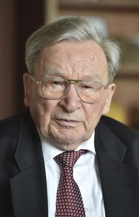Muere en Alemania el inventor de los tacos de fijación Fischer