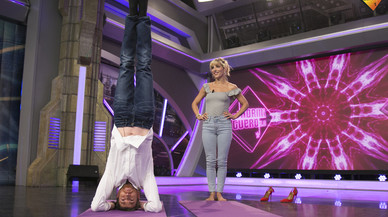 'El hormiguero' lidera las audiencias haciendo yoga con Pataky