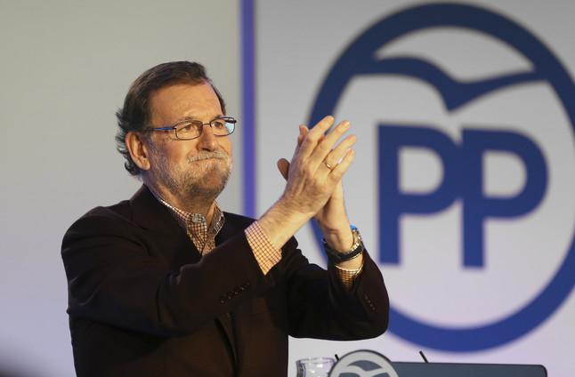 """Rajoy tilda de """"fraude"""" que siga la entente PSOE y C's"""
