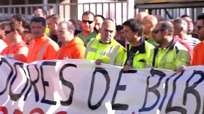 El puerto de Barcelona afronta la primera huelga de estibadores en día laborable