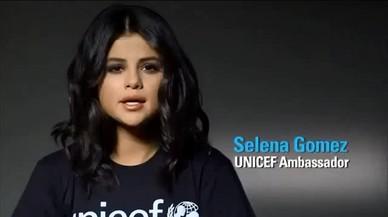 La cantante Selena Gómez posa como embajadora de UNICEF.