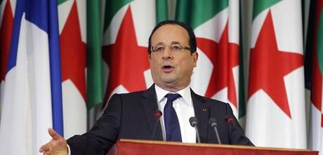 François Hollande habla ante el Parlamento argelino.