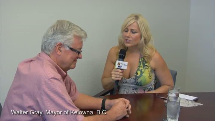 Milf from kelowna british columbia puts on a show - 1 part 6