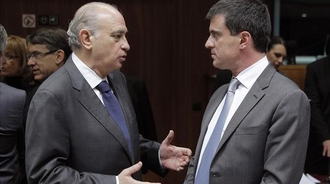 Fern ndez d az defensa les concertines for Ministre interior