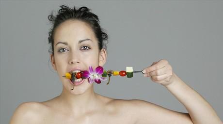 Masticar despacio reduce el riesgo de sobrepeso