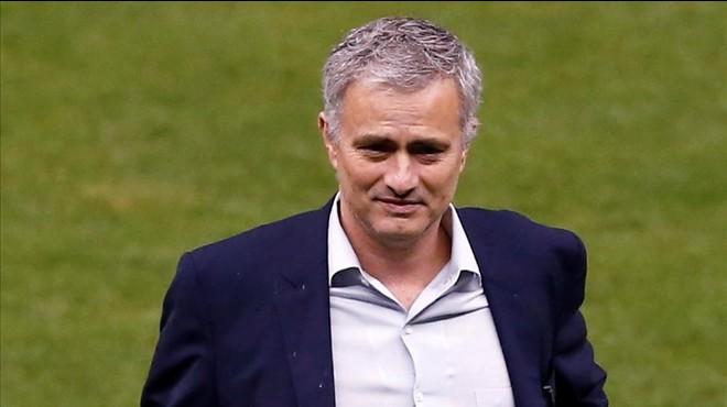 """Mourinho: """"Tornaré a entrenar el 30 de juny"""""""