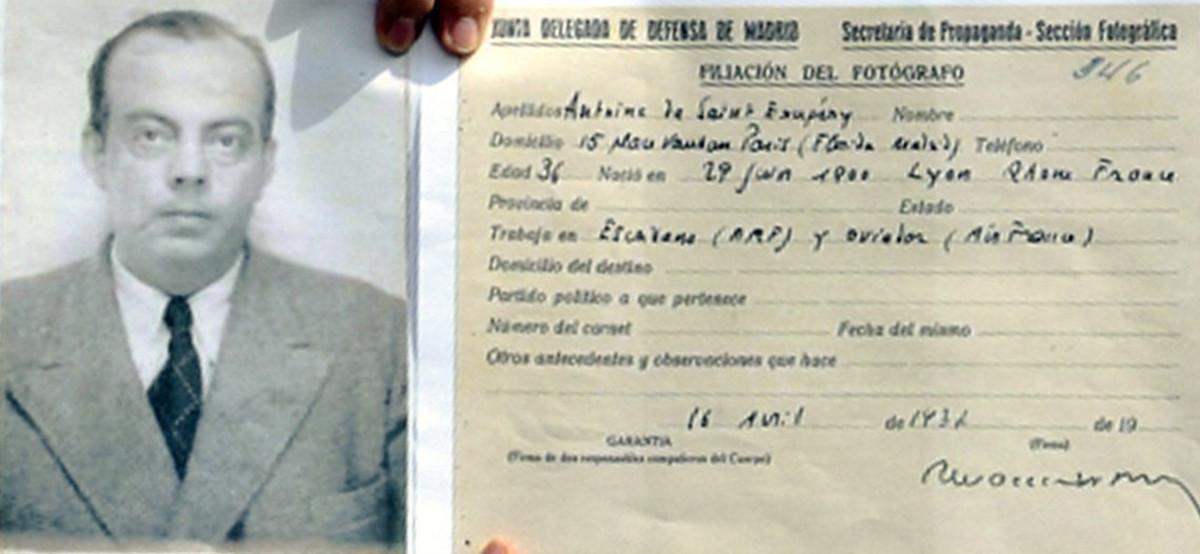 Trobat el carnet de Saint-Exupéry a l'arxiu de Salamanca