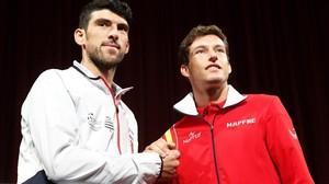 Pablo Carreño (derecha), con Franko Skugor, en el sorteo de este jueves en Osijek.
