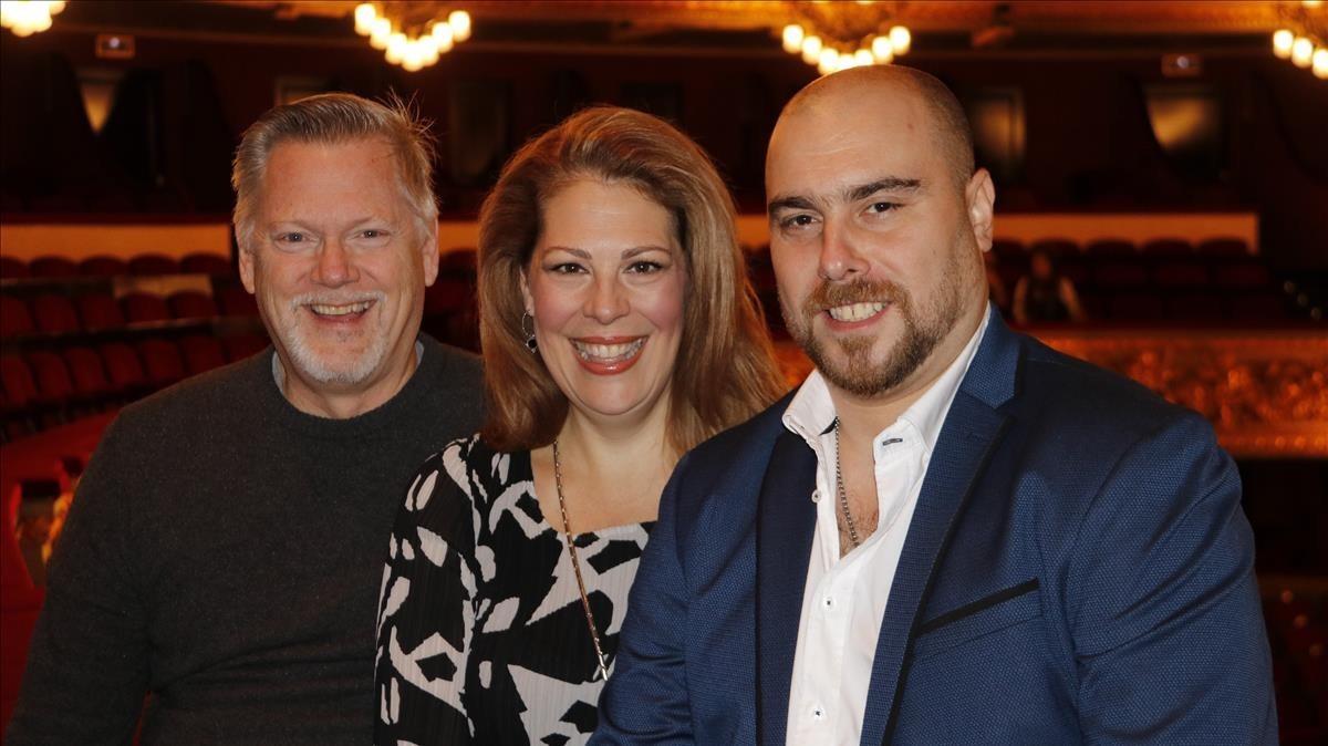 El tenor Gregory Kunde (izquierda), la soprano Sondra Radvanovsky y el barítono Gabriele Vivani, en el Liceu.