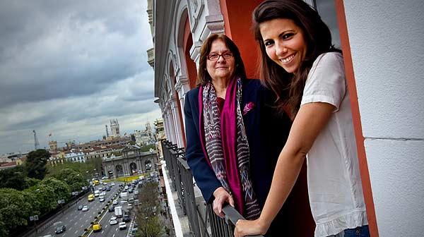 Ana Pastor conversa con Ana Mar�a Llopis, presidenta de la cadena de supermercados DIA.