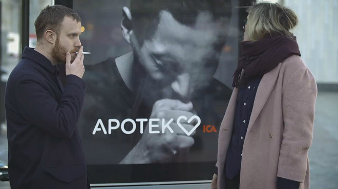 Un anunci interactiu 'tus' ala capital sueca per conscienciar contra el tabaquisme