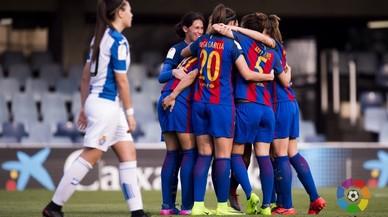 Les noies del Barça esclafen l'Espanyol amb una 'maneta' al Miniestadi (5-0)