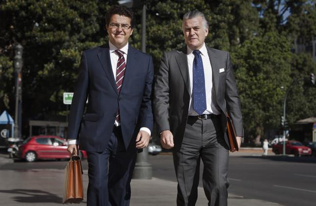 PP y PSOE se aproximan mientras arrecian los casos de corrupci�n