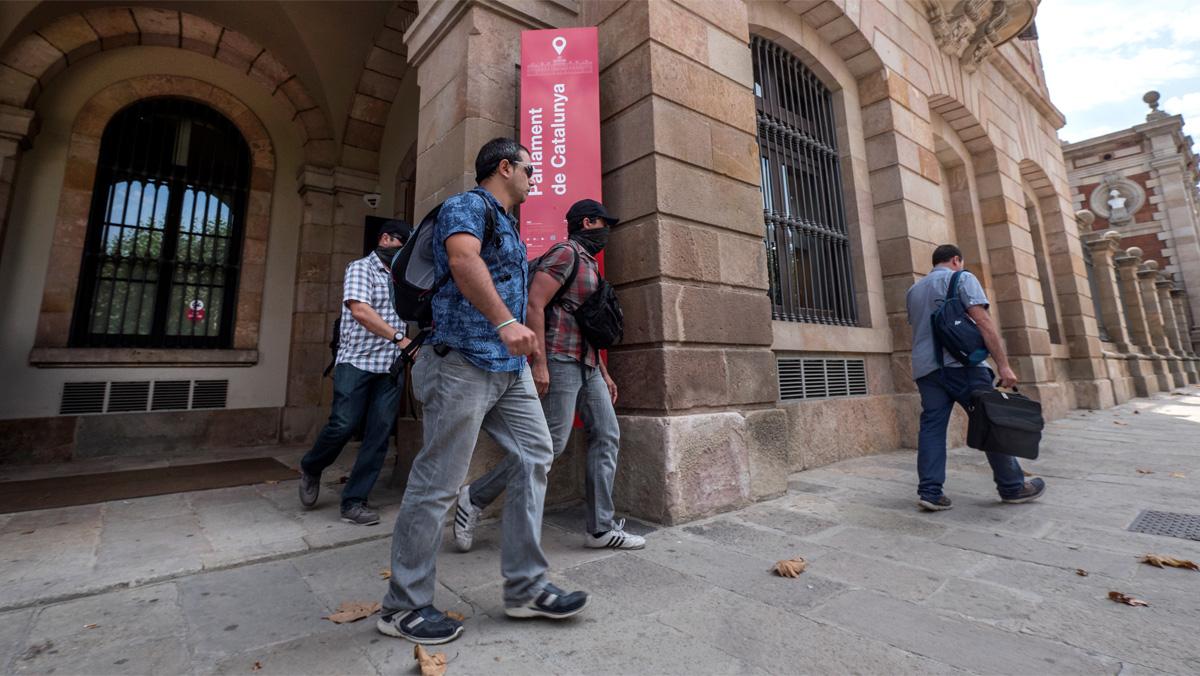 La Guàrdia Civil va al Parlament per buscar dades sobre Gordó i el 3%