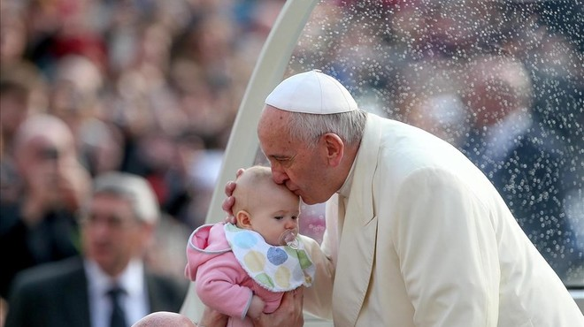 El Papa obre la porta de l'Església als divorciats tornats a casar i a les parelles de fet
