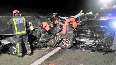 Moren els tres ocupants d'un turisme en un accident múltiple a Múrcia